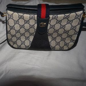 Mini Gucci Crossbody bag- VINTAGE